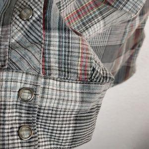 Vans Shirts - Van's small button (snaps) down long sleeve